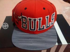 Gorra snapback adidas de chicago bulls nueva