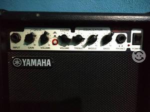 Amplificador Yamaha 15 watts