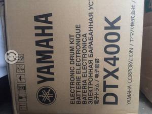 Vendo bonita batería eléctrica yamaha