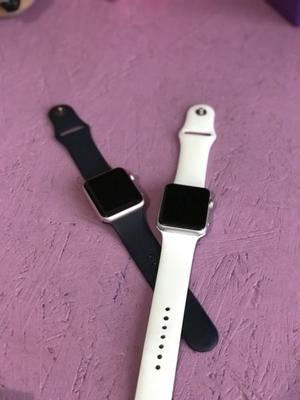 Se venden 2 apple watch