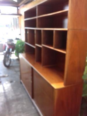 se vende excelente mueble de madera fina