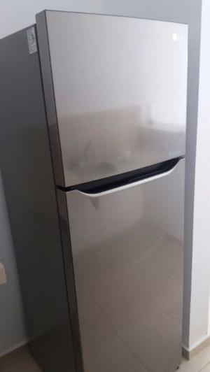 Refrigerador Lg de 11 pies, casi nuevo, oportunidad.
