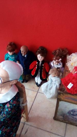 5 muñecas de porcelana