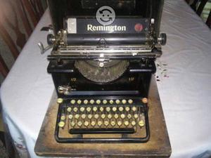 Maquina Antigüa Remington con Estuche