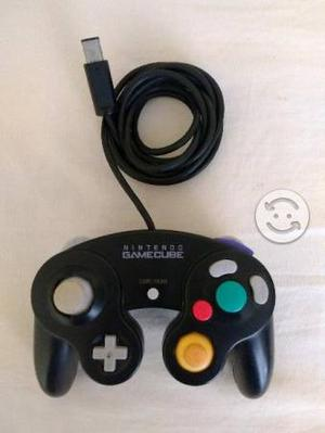 Control Negro de Game Cube seminuevo