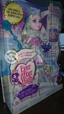 Ever After High Hija de la Reina de Nieve DKR67