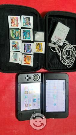 Juego Nintendo 3DS XL con diez juegos de cassette