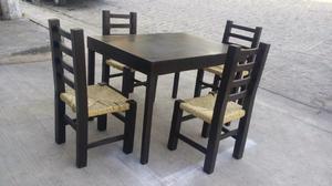 comedor de madera de cuatro sillas