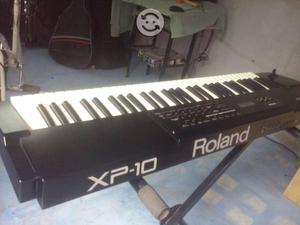 Teclado Roland XP10