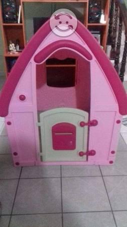 Se vende casita infantil para niña