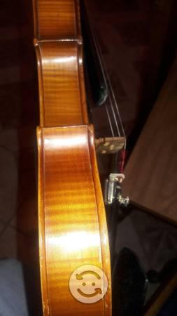 Violin 4.4 estredibarios con estuche y Arco