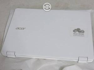 Laptop Acer TOUCH intel core i3