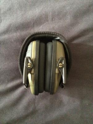 Audífonos electronicos de alto impacto NUEVOS!