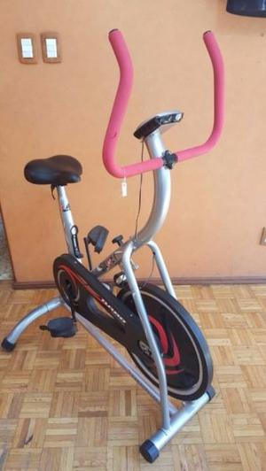 Bicicleta fija para hacer ejercicio SILUET