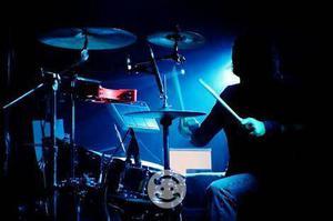Buscamos baterista