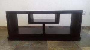 Bonito mueble para TV color chocolate