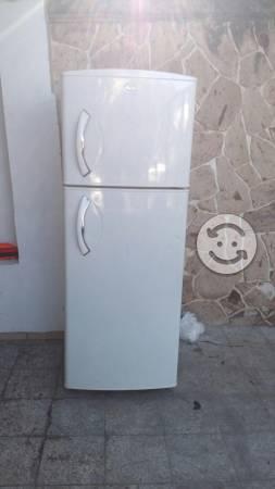 Pefrigerador mabe twis air en buen estado