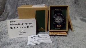 Reloj Casio Protrek Brújula, Altímetro, Barómetro,