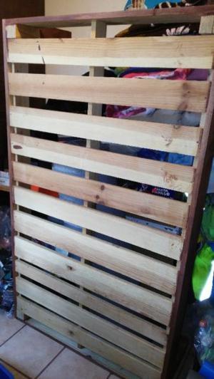 Remato base de cama individual de madera,