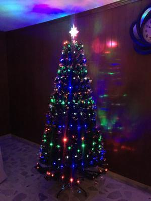 Árbol de Navidad, 210cm, Verde Con Luz Integrada.