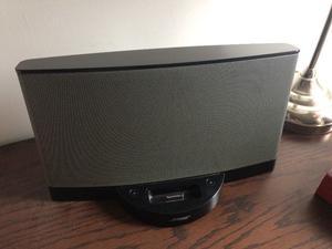 Bocina SoundDock marca Bose serie II
