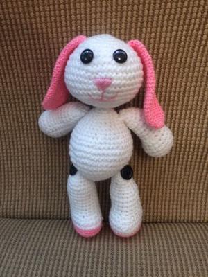 Conejito tejido a crochet