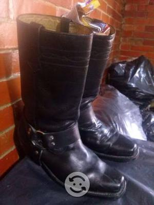 Botas de piel potro pinto