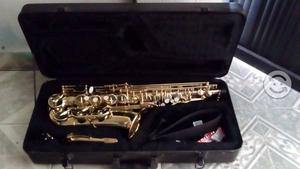 Saxofón Alto Mercury- Nuevo- (laqueado)