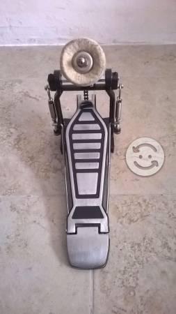 Pedal sencillo para batería acústica