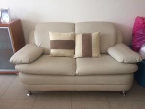 Sala de 2 piezas nuevecita tipo piel barata posot class - Sofa para tres ...