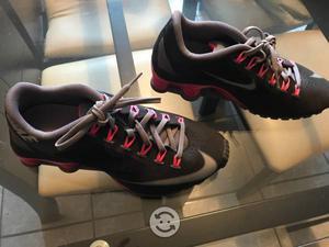 Tenis Nike Shox nuevos originales negros con rosa