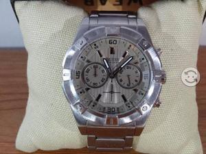 Reloj guess imponente,eslabones completos.cuidado