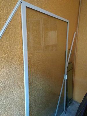 Vendo Cancel con marco de aluminio y vidrio de 6mm