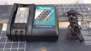 Makita Cargador De Baterias Modelo DC18RC S