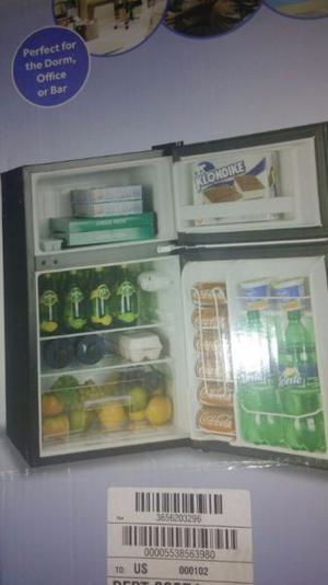 Refrigerador Nuevo de 2 Puertas de 4 Pies
