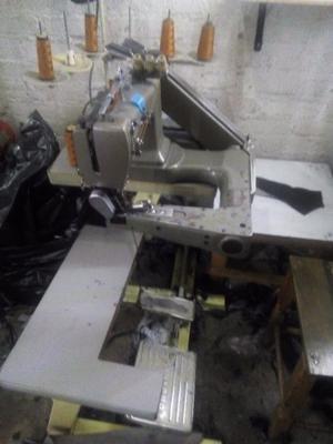 Vendo máquina de coser cerradora