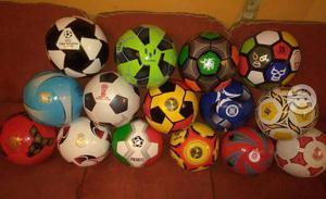 Lote de 15 balones de futbol de equipos tipo Nike