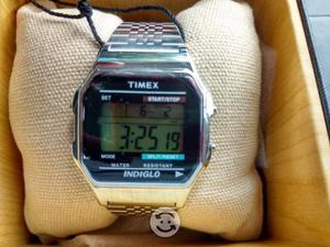 Reloj Timex TW2PAB