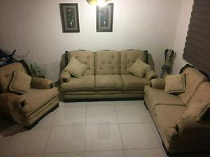 Remate sala de muy alta calidad y en buenas condiciones
