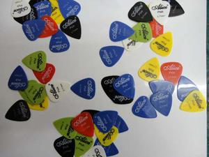 Paquete De 100 Puas Para Guitarra O Bajo Alice Picks 0.71mm
