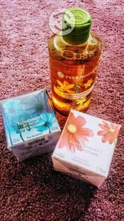 Set de 2 Perfumes Flower Party y regalo