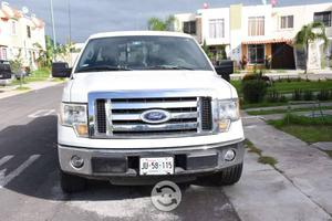 Ford lobo cabina y media blanca