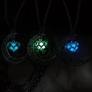 Collares Collar Luna Brilla En Oscuridad Novia Amiga Mayoreo