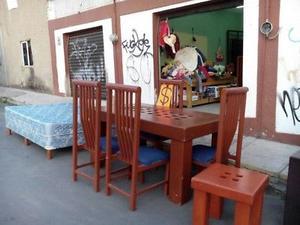 Comedor de madera de pino color caoba con 6 sillas