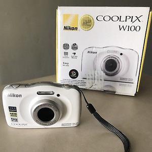 Cámara Nikon Coolpix W 100
