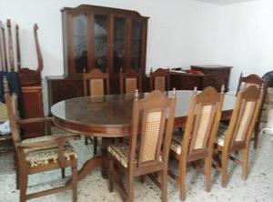 Comedor usado 8 sillas con buffetera de cedro.