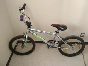 bicicleta de salto benotto