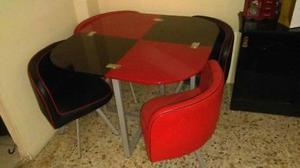 se vende bonito juego comedor en Rojo y Negro cristal