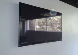 Instalación de soportes para pantallas
