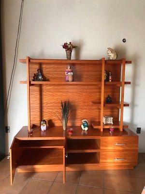 Vendo mueble de madera (centro de entretenimiento)